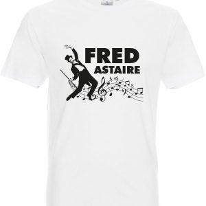 Koszulka z nadrukiem Fred Astaire powstała z myślą o wielbicielach filmów muzycznych lat 40 i fanów wspaniałego tancerza.