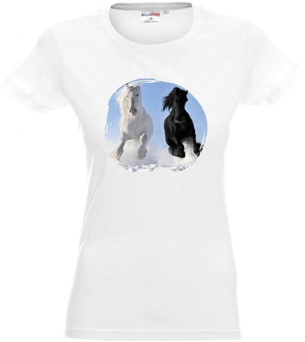 Biała koszulka z galopującymi koniami