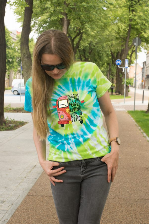 Kolorowa koszulka w stylu Woodstock